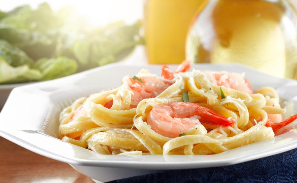 Pâtes aux crevettes et sa sauce crémeuse à l'ail