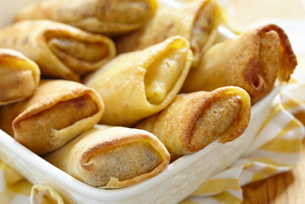 De bonnes crêpes farcies au jambon et au poireau