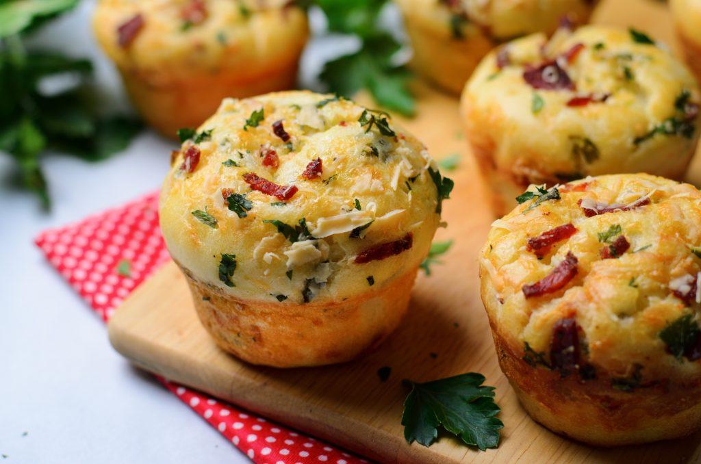 Muffins aux lardons fumés