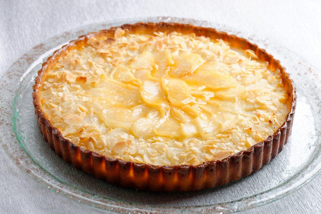 Tarte aux pommes, crème d'amande et caramel