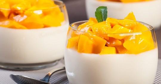 Panna cotta à la noix de coco et mangue