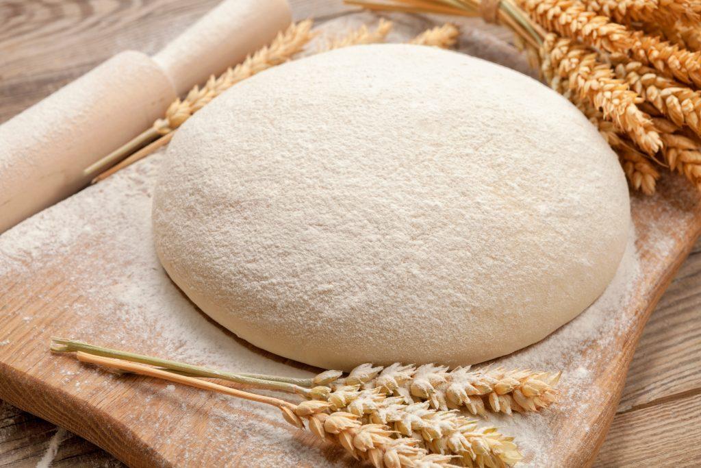 La pâte magique pour faire des beignets, pizzas, du pain, des buns, des fonds de tarte